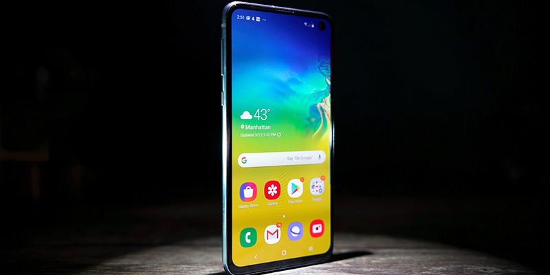 Samsung Galaxy S10e Display